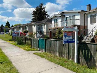 Photo 5: 875 NANAIMO Street in Vancouver: Hastings House for sale (Vancouver East)  : MLS®# R2567915