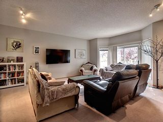 Photo 2: 40 Hamptons Link NW in Calgary: Hamptons Row/Townhouse for sale : MLS®# A1074833