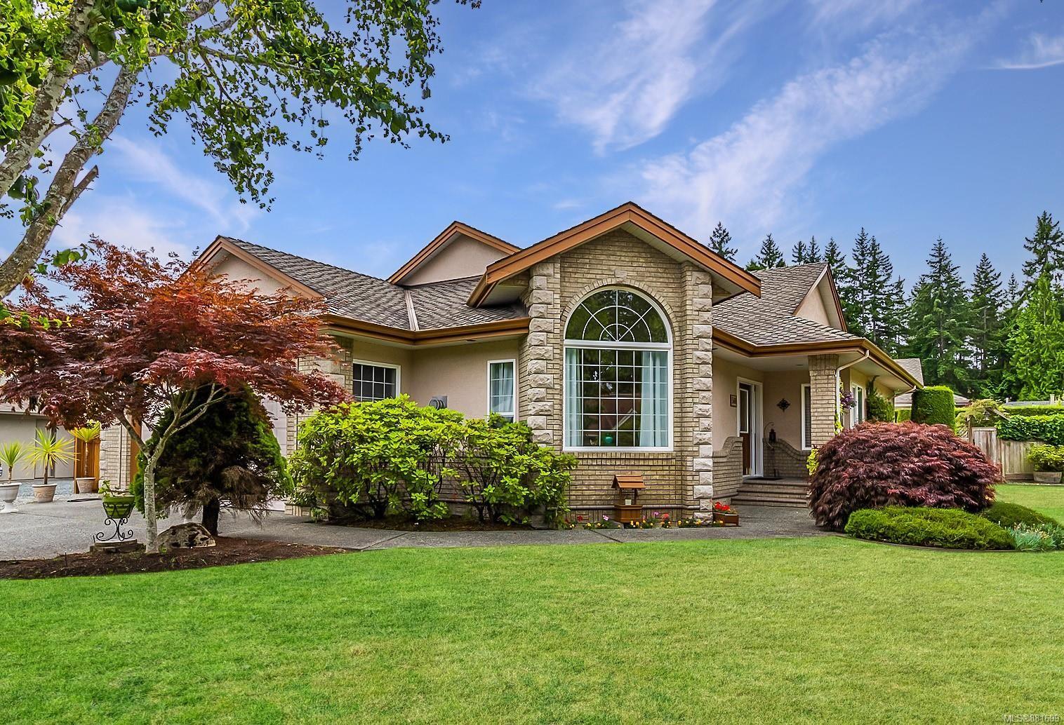 Main Photo: 566 Juniper Dr in : PQ Qualicum Beach House for sale (Parksville/Qualicum)  : MLS®# 881699