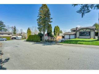 "Photo 3: 5038 200B Street in Langley: Langley City House for sale in ""Mountain View Estate"" : MLS®# R2559536"