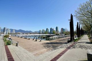 "Photo 31: 186 ATHLETES Way in Vancouver: False Creek Condo for sale in ""VILLAGE ON FALSE CREEK - BRIDGE"" (Vancouver West)  : MLS®# R2575530"