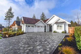 Photo 3: 2764 Sheffield Cres in : CV Crown Isle House for sale (Comox Valley)  : MLS®# 862522