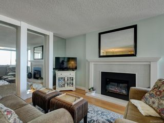 Photo 3: 204 640 Montreal St in Victoria: Vi James Bay Condo for sale : MLS®# 839783