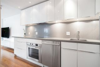 """Photo 14: 301 930 CAMBIE Street in Vancouver: Yaletown Condo for sale in """"PACIFIC PLACE LANDMARK II"""" (Vancouver West)  : MLS®# R2592533"""
