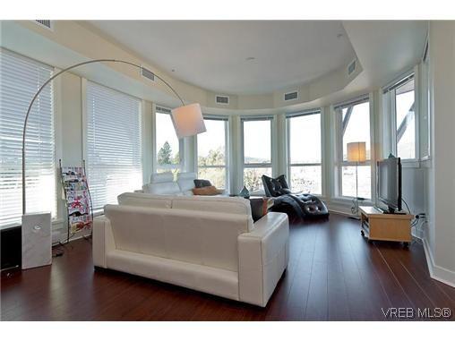 Main Photo: 414 662 Granderson Avenue in Victoria: La Fairway Condo for sale (Langford)  : MLS®# 306715