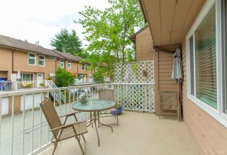 """Photo 10: 558 CARLSEN Place in Port Moody: North Shore Pt Moody Townhouse for sale in """"Eagle Point complex"""" : MLS®# R2388336"""