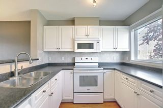 Photo 14: 201 Prestwick Circle SE in Calgary: McKenzie Towne Row/Townhouse for sale : MLS®# A1130382