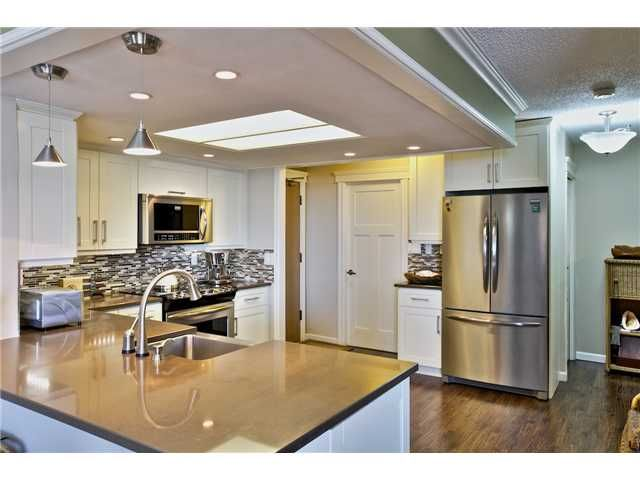 Photo 3: Photos: # 305 168 CHADWICK CT in North Vancouver: Lower Lonsdale Condo for sale : MLS®# V1073729