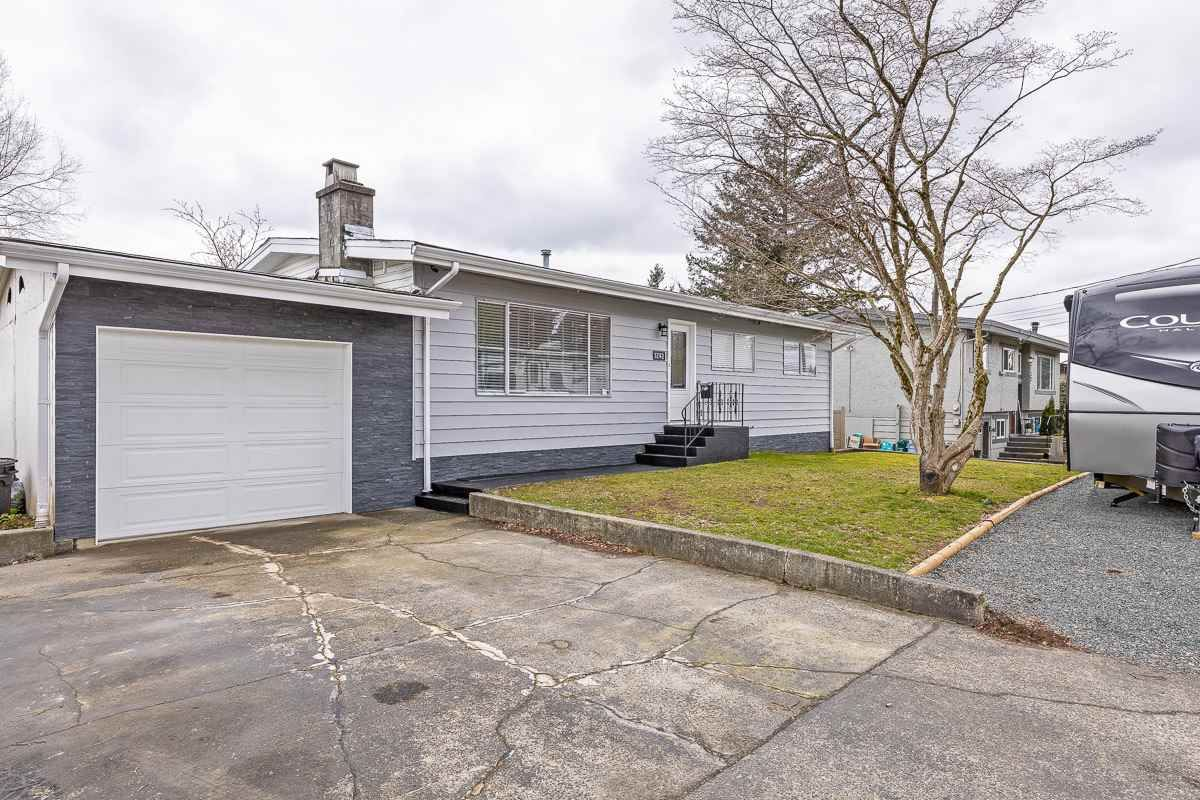 Main Photo: 32142 7 Avenue in Mission: Mission BC House for sale : MLS®# R2574640