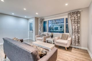Photo 5: 18 Meadowlark Crescent SW in Calgary: Meadowlark Park Detached for sale : MLS®# A1113904