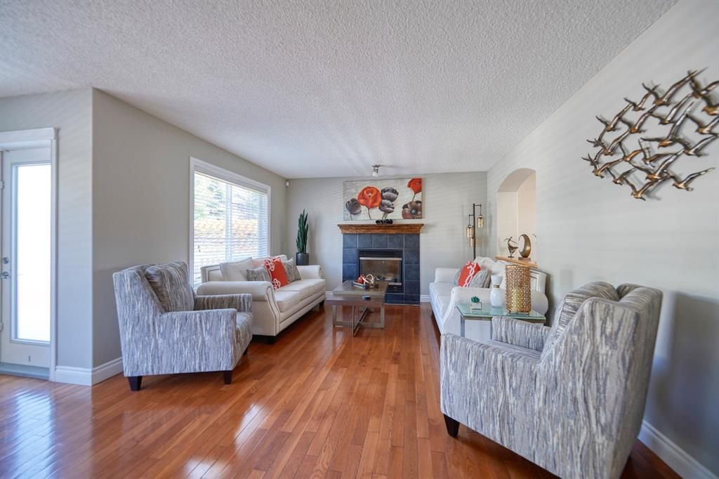 Main Photo: 103 Wentworth Circle SW in Calgary: West Springs Detached for sale : MLS®# A1060667