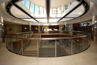 Photo 8: 16 3880 Duke Of York Boulevard in Mississauga: City Centre Condo for sale : MLS®# W2811487