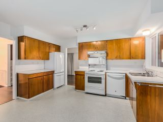 Photo 9: 68 Mott Crescent in New Westminster: Home for sale : MLS®# R2002099
