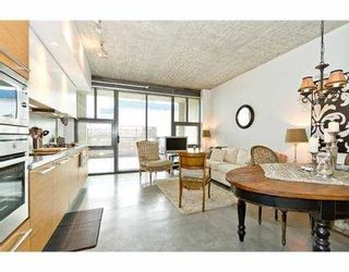 """Photo 5: 104 388 W 1ST Avenue in Vancouver: False Creek Condo for sale in """"THE EXCHANGE"""" (Vancouver West)  : MLS®# V979976"""