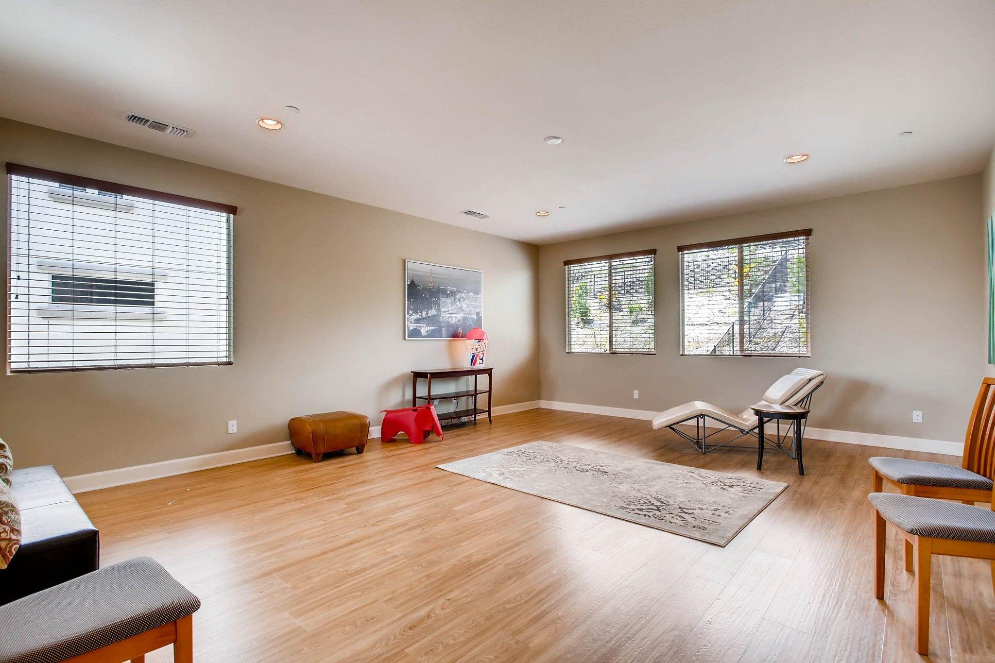 Photo 21: Photos: Residential for sale : 5 bedrooms : 443 Machado Way in Vista