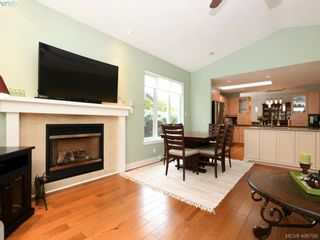 Photo 7: 762 Hill Rise Lane in VICTORIA: SE Cordova Bay Row/Townhouse for sale (Saanich East)  : MLS®# 808277