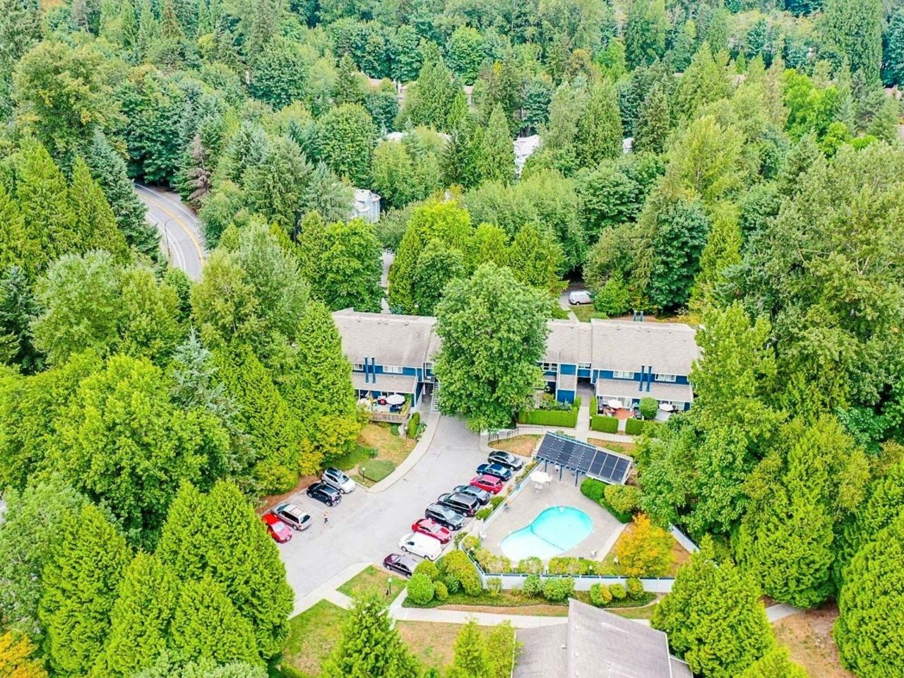 """Photo 1: Photos: 35 9101 FOREST GROVE Drive in Burnaby: Forest Hills BN Townhouse for sale in """"ROSSMOOR"""" (Burnaby North)  : MLS®# R2616608"""