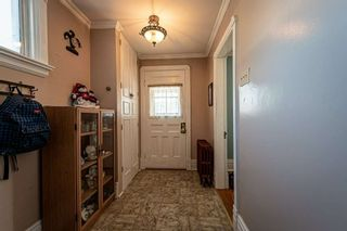 Photo 4: 30 Grove Street East Street in Barrie: Bayfield House (2 1/2 Storey) for sale : MLS®# S5098618