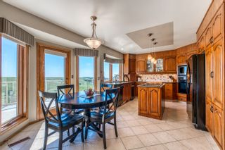 Photo 14: 72 Edelweiss Drive NW in Calgary: Edgemont Detached for sale : MLS®# A1125940