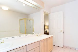 """Photo 19: 110 3777 W 8TH Avenue in Vancouver: Point Grey Condo for sale in """"THE CUMBERLAND"""" (Vancouver West)  : MLS®# R2461300"""