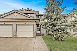 Photo 1: 53 EVERSYDE Point SW in Calgary: Evergreen Row/Townhouse for sale : MLS®# C4201757