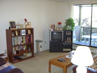 """Photo 10: 206 10698 151A Street in Surrey: Guildford Condo for sale in """"LINCOLN'S HILL"""" (North Surrey)  : MLS®# F1000089"""