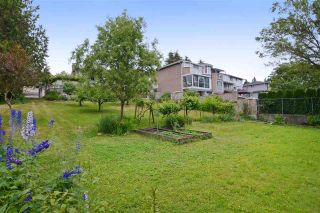 Photo 18: 4562 MARINE Drive in Burnaby: Big Bend House for sale (Burnaby South)  : MLS®# R2074382