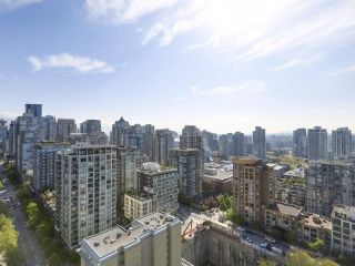 "Photo 5: 2305 1155 SEYMOUR Street in Vancouver: Downtown VW Condo for sale in ""BRAVA"" (Vancouver West)  : MLS®# R2266500"