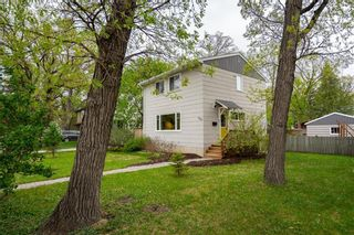 Photo 2: 530 Oakenwald Avenue in Winnipeg: Wildwood Residential for sale (1J)  : MLS®# 202112079