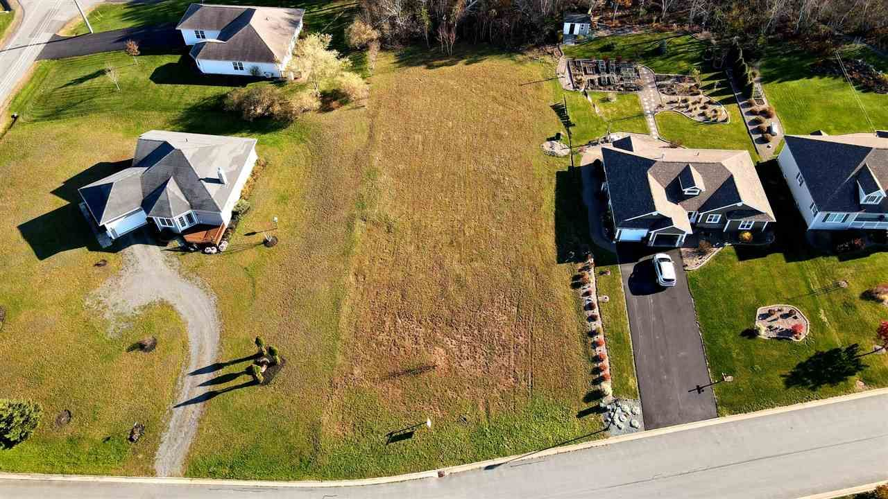 Main Photo: 42B Scenic Avenue in Hants Border: 404-Kings County Vacant Land for sale (Annapolis Valley)  : MLS®# 202023485