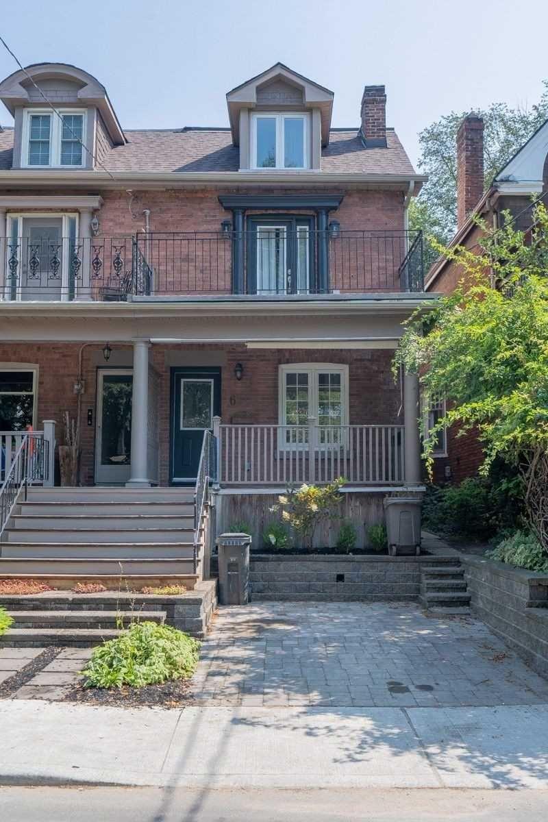 Main Photo: 61 Leuty Avenue in Toronto: The Beaches House (3-Storey) for lease (Toronto E02)  : MLS®# E5352498