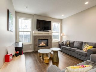 Photo 12: 2334 54 Avenue SW in Calgary: North Glenmore Park Semi Detached for sale : MLS®# A1101000