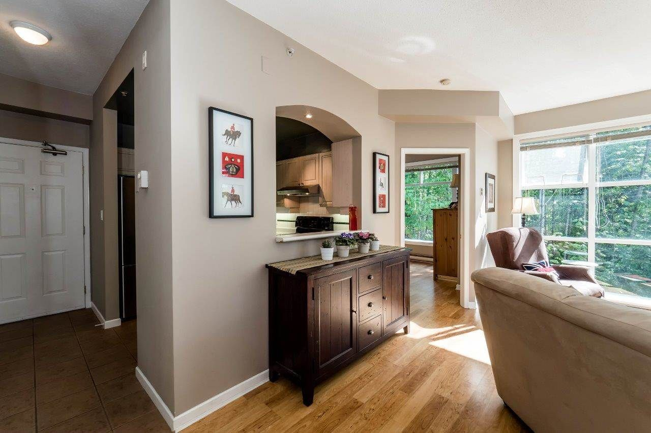 """Photo 5: Photos: 433 3600 WINDCREST Drive in North Vancouver: Roche Point Condo for sale in """"RAVENWOODS"""" : MLS®# R2072871"""