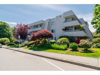 """Photo 1: 101 1341 GEORGE Street: White Rock Condo for sale in """"Oceanview"""" (South Surrey White Rock)  : MLS®# R2600581"""
