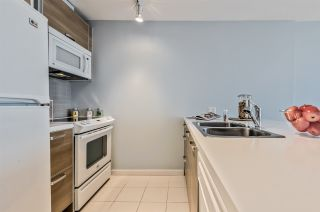 """Photo 8: 3203 9981 WHALLEY Boulevard in Surrey: Whalley Condo for sale in """"PARKPLACE II"""" (North Surrey)  : MLS®# R2496378"""