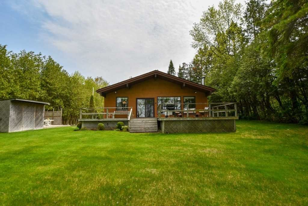 Main Photo: 141 Campbell Beach Road in Kawartha Lakes: Rural Carden House (1 1/2 Storey) for sale : MLS®# X4468019