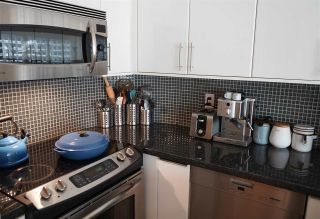 """Photo 3: 109 125 W 18TH Street in North Vancouver: Central Lonsdale Condo for sale in """"Ashton Place"""" : MLS®# R2455958"""