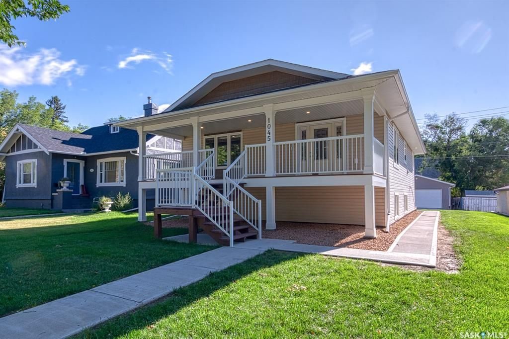 Main Photo: 1045 5th Avenue Northwest in Moose Jaw: Central MJ Residential for sale : MLS®# SK866695