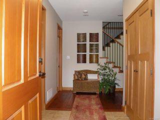 Photo 2: 388 Ensign St in COMOX: CV Comox (Town of) House for sale (Comox Valley)  : MLS®# 761837