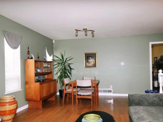 Photo 3: 20409 WALNUT CR in Maple Ridge: Southwest Maple Ridge House for sale : MLS®# V1033651