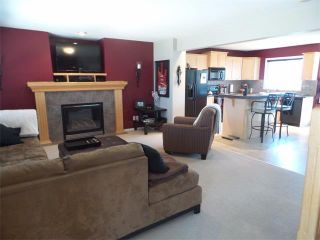 Photo 9: 732 PRESTWICK Circle SE in Calgary: McKenzie Towne House for sale : MLS®# C4019225