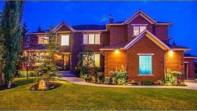Main Photo: 3 Aspen Ridge Close SW in Calgary: Aspen Woods Detached for sale : MLS®# C4245751
