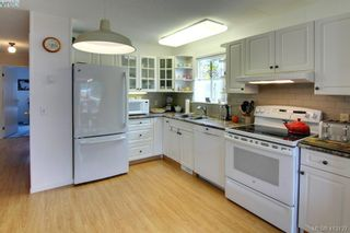 Photo 9: 9341 Trailcreek Dr in SIDNEY: Si Sidney South-West Manufactured Home for sale (Sidney)  : MLS®# 819236