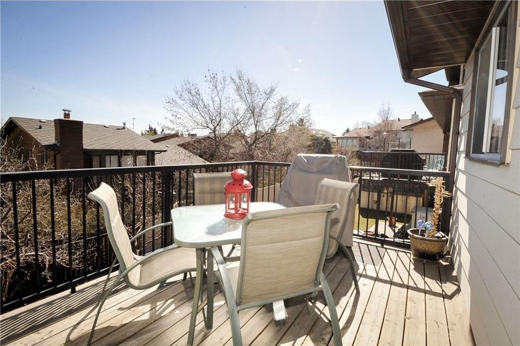 Photo 16: Photos: 52 BERKSHIRE Road NW in Calgary: Beddington Heights House for sale : MLS®# C4105449
