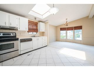 """Photo 7: 228 20071 24 Avenue in Langley: Brookswood Langley Manufactured Home for sale in """"Fernridge Park"""" : MLS®# R2600395"""