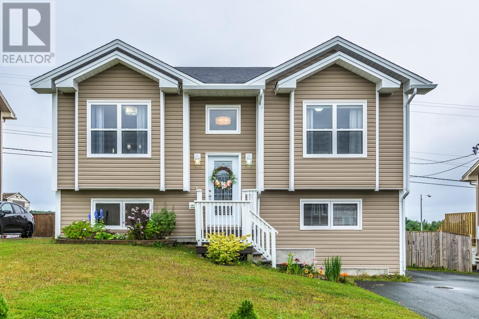 Main Photo: 38 Cole Thomas Drive in Conception Bay South: House for sale : MLS®# 1233782