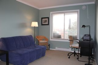 Photo 8: 404 20453 53 AVENUE in Langley: Langley City Condo for sale : MLS®# R2120225