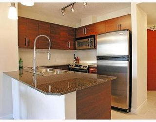 """Photo 2: 1205 813 AGNES Street in New_Westminster: Downtown NW Condo for sale in """"NEWS"""" (New Westminster)  : MLS®# V652250"""