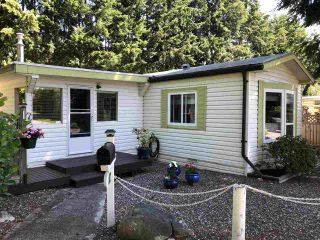 """Photo 1: 45 4116 BROWNING Road in Sechelt: Sechelt District Manufactured Home for sale in """"ROCKLAND WYND"""" (Sunshine Coast)  : MLS®# R2472545"""