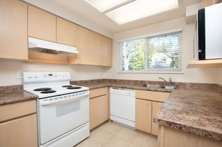 """Photo 4: 103 3180 E 58TH Avenue in Vancouver: Champlain Heights Townhouse for sale in """"HIGHGATE"""" (Vancouver East)  : MLS®# R2345170"""